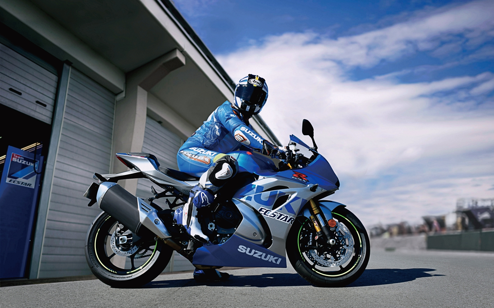 Suzuki announces its 100th Anniversary series
